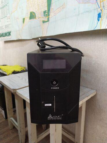 Источник бесперебойного питания (ИБП, UPS) SVC V-3000-F-LCD, без