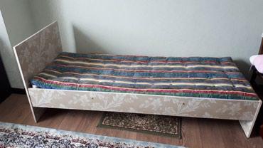 Продаю кровать односпалка с матрасом в Лебединовка