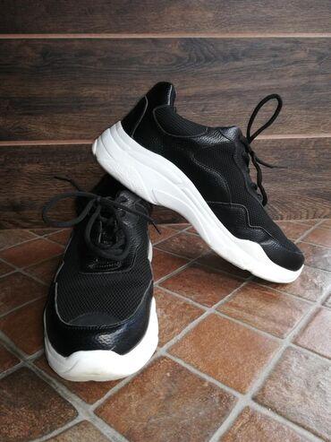 Ženska patike i atletske cipele   Sabac: Crne patike lagane, broj 41 veoma udobne, nošene 2-3x. Za dodatne