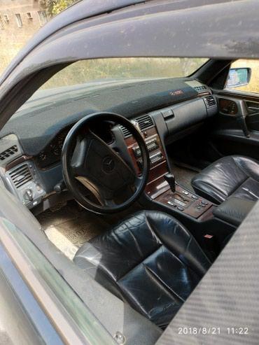 Mercedes-Benz в Кызыл-Кия: Mercedes-Benz E 320 3 л. 1996 | 180 км