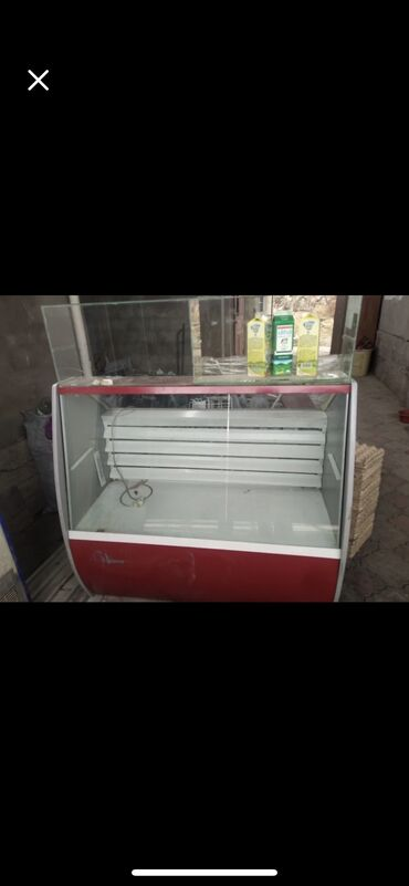 витринный холодильник купить в Кыргызстан: Срочно Холодильник витринный пользовались всего 2 мес