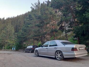 черный mercedes benz в Кыргызстан: Mercedes-Benz 500 5 л. 1994