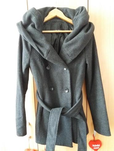 Kaput-amisu-placen - Srbija: AMISU, jako kvalitetan sivi kaput, sa prelepom kragnom-kapuljacom