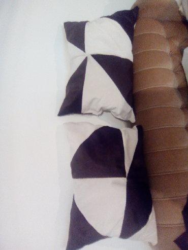 Dva jastukavdimenzije 55x40