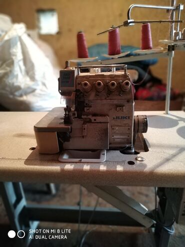 juki швейная машина цена в Кыргызстан: Срочно продаю новую швейную машинку прямострочка в идеальном состоянии