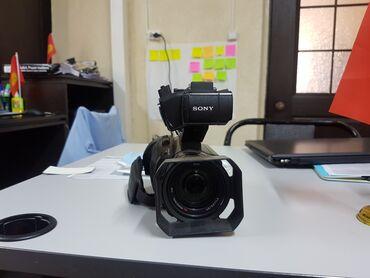 видеокамера sony z7 в Кыргызстан: Продаю проф. Видеокамеру Sony PXW-X70 - 2 штуки. В хорошем состоянии