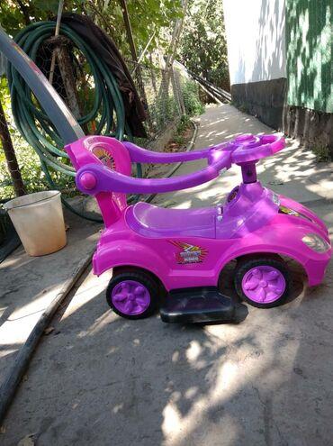596 объявлений: Продам машинку для ребенка с 6 месяцев до 3 лет, боковые стороны