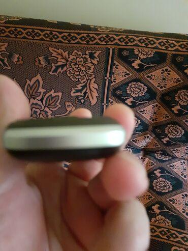 Mobilni telefoni - Leskovac: Nov telefon sa 2 kartice