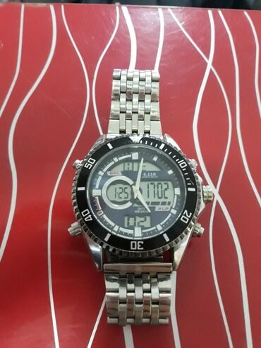 Продаю хорошие часы оргинал