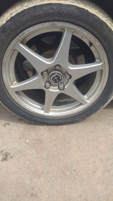 сколько стоит шины в Кыргызстан: 235/45/17 диски 17 размера не вареный. стоит на Лексус жс 300 есть