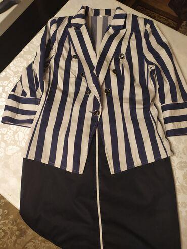 Костюм х/б. Б/у 38размер. Состоит из двух предметов: пиджак и юбка