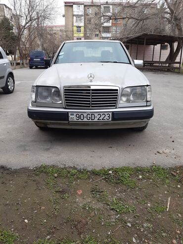 Mercedes-Benz 220 2.2 l. 1994 | 37000 km
