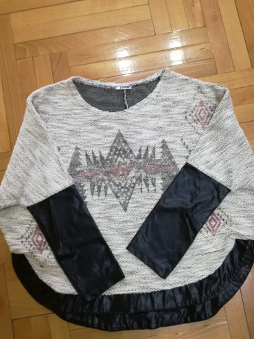 Bluza iz uvoza velicina M. Siri model,mis rukavi. Sa skajom. - Bajina Basta