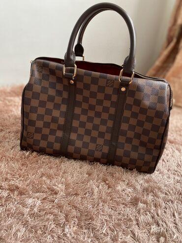 Новая сумка Louis Vuitton в отличном состоянии. Есть ремешок