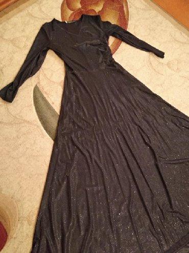 Платье черного цвета с блеском. надела 4 раз. размер 42