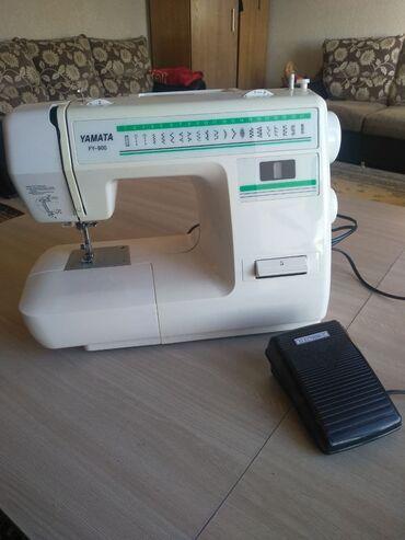 Швейная машина Yamata FY900 в отличном состоянии .есть паспорт и запча