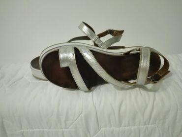 Gume - Srbija: Inuovo srebrne sandale vel 39,gaziste 25,5 preudobne