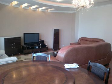 кофемашина магистр в Кыргызстан: Сдается квартира: 5 комнат, 200 кв. м, Бишкек