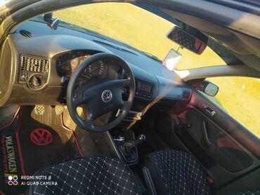 Volkswagen Golf 1.6 л. 2000 | 198000 км