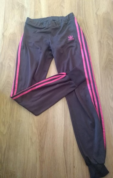 Adidas-trenerka-zenska - Srbija: Original donji deo Adidas trenerke,veličina M