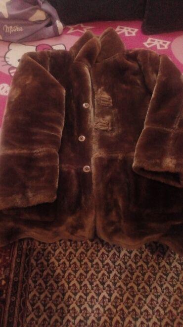 Krzneni kaputi   Batajnica: Na prodaju bunda 3500 hiljade