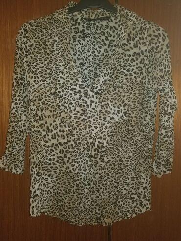 Bluza Zara, veličina S, fali malo dugme napred, ali je neprimetno