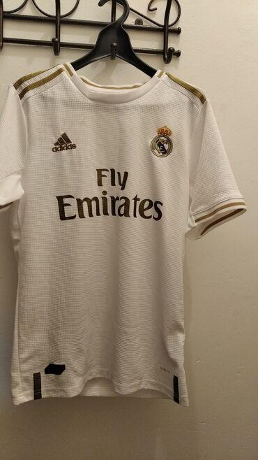 Мужская одежда - Кыргызстан: Футбольная форма. Реал Мадрид. Цвет белая с золотистыми линиями