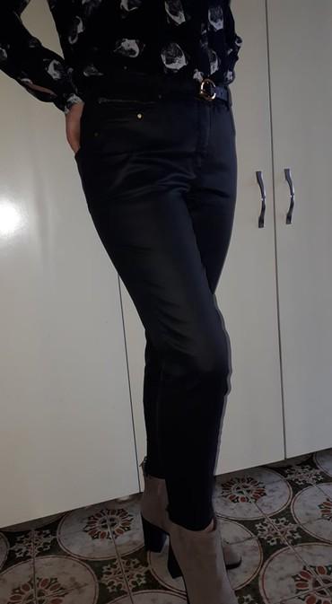 Pantalone flame moderno - Srbija: H&M Pantalone zenske vel 40\Potpuno nove pantalone u crnoj boji
