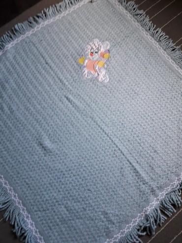 pododejalnik 100 120 в Кыргызстан: Детское вязаное одеялко голубого цвета. Размер 100×100 см