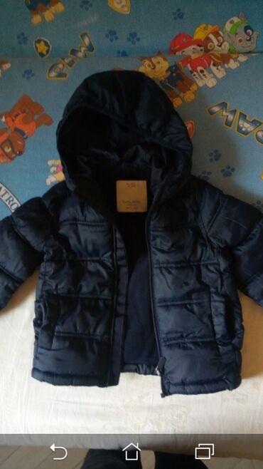 Zara jakna - Srbija: Kao nova Zara jaknica za neko prelazno vreme,nije debela. obucena par