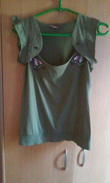 Majica zelena - Srbija: Veoma lepa majica,interesantnog dizajna,sa slatkim aplikacijama,kao