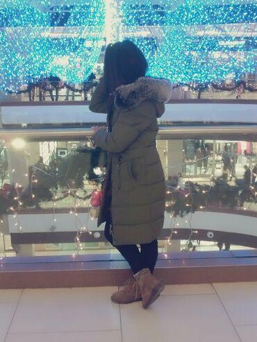 Личные вещи - Боконбаево: Зимняя куртка очень стильная, удобная,теплая,свет хакки,все замки на