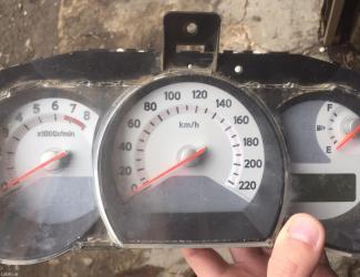 Bakı şəhərində Nissan tiida priboru, 9700 km. Diger hisseler var