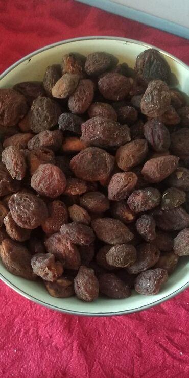 сухой корм для собак в Азербайджан: Naxcivan erik qurusu buyurun.isteyen yazsın