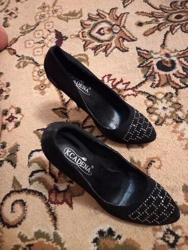 Продаю или обмен туфли каблук 1 раз только одевала