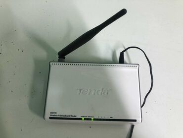 modem router tp link в Кыргызстан: Tenda W311R Продаю роутер Wi fi Тенда W311RСостояние хорошее, все