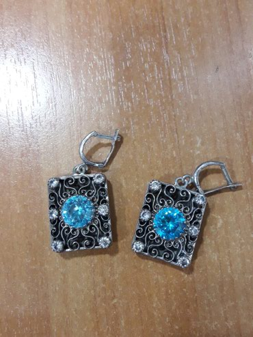 Серьги серебряные,с голубым камнем . в Бишкек