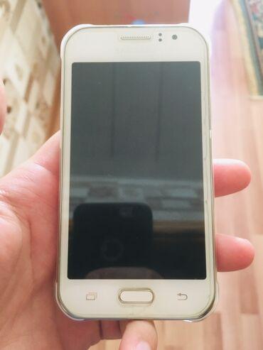 İşlənmiş Samsung Galaxy J1 Duos 8 GB ağ