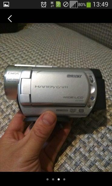 Видеокамеры - Кыргызстан: Продаю видео камеру Sony DCR-DVD808. в отличном состоянии.высокое