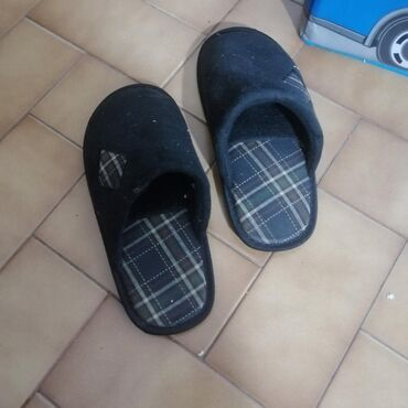 Black non-brand slippers for sale. Not worn before. Size 40. Not
