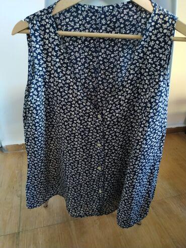 Košulje i bluze - Srbija: Ovo je nasleđena sašivena košulja kratkih kimono rukava. Iskreno ne zn