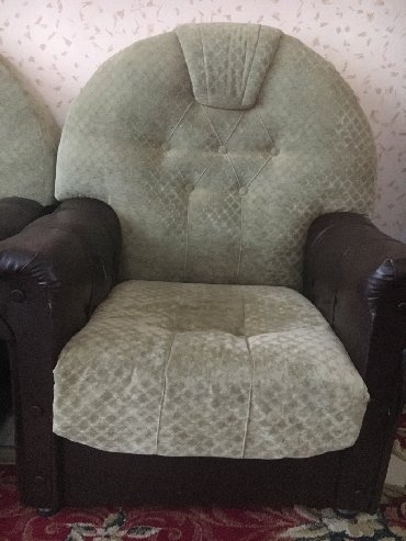 атлант кресло в Азербайджан: Кресло 2 штуки, использованные, одно 25 манат
