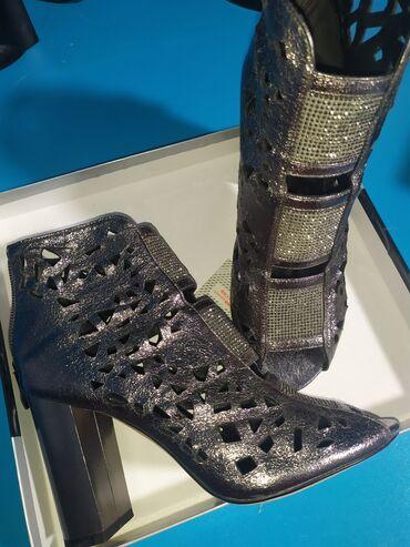 Шикарные каблуки Подарили на день рождения но не подошли по размеру