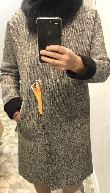 Продаю пальто, Турция. Фирма Loreta. Мех натуральный, песец. Сезон