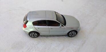 Bmw 4 серия 420d mt - Srbija: Burago BMW Series 1, 1:43 vrlo malo izgreban