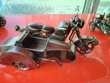 stoleshnitsa iz kamnya в Азербайджан: Jelezniy starinniy nemeckiy motocikl iz kollekciyi