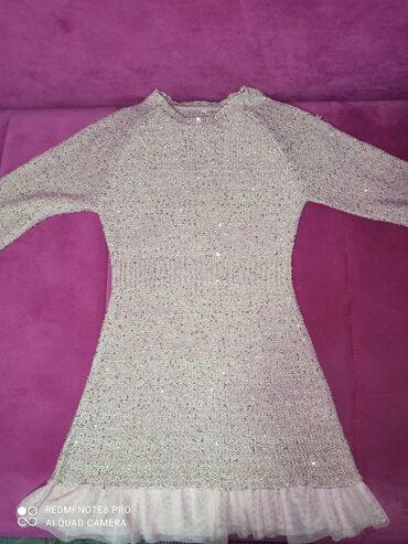 Jeans skinny h - Srbija: Za devojciceVelicine 8/9Cene od 100 do 300 osim haljinice koja je