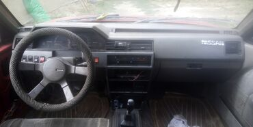 nissan салон в Ак-Джол: Nissan Bluebird 2 л. 1988 | 565523 км