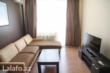 sutkalıq mənzil kirayələmək - Azərbaycan: Gunluk kiraye ev. Seherin merkezinde 5 mertebeli binanin 2-ci