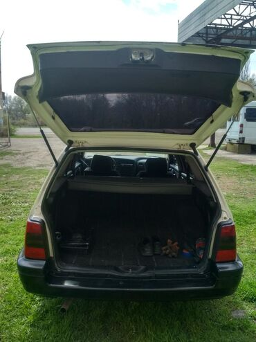 Volkswagen Golf Variant 1.8 л. 1996 | 180 км